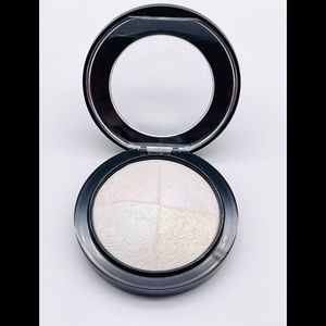 NEW MAC BARELY DRESSED Mineralize Skinfinish